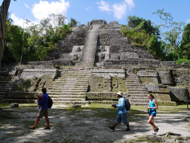 The rain temple - Lamanai Travellingminstrel #11