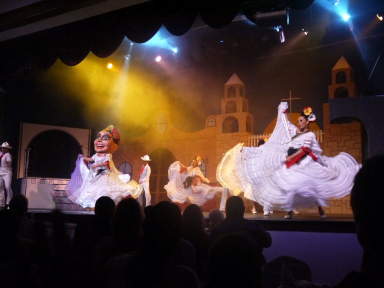 Mexican dance - Travellingminstrel#