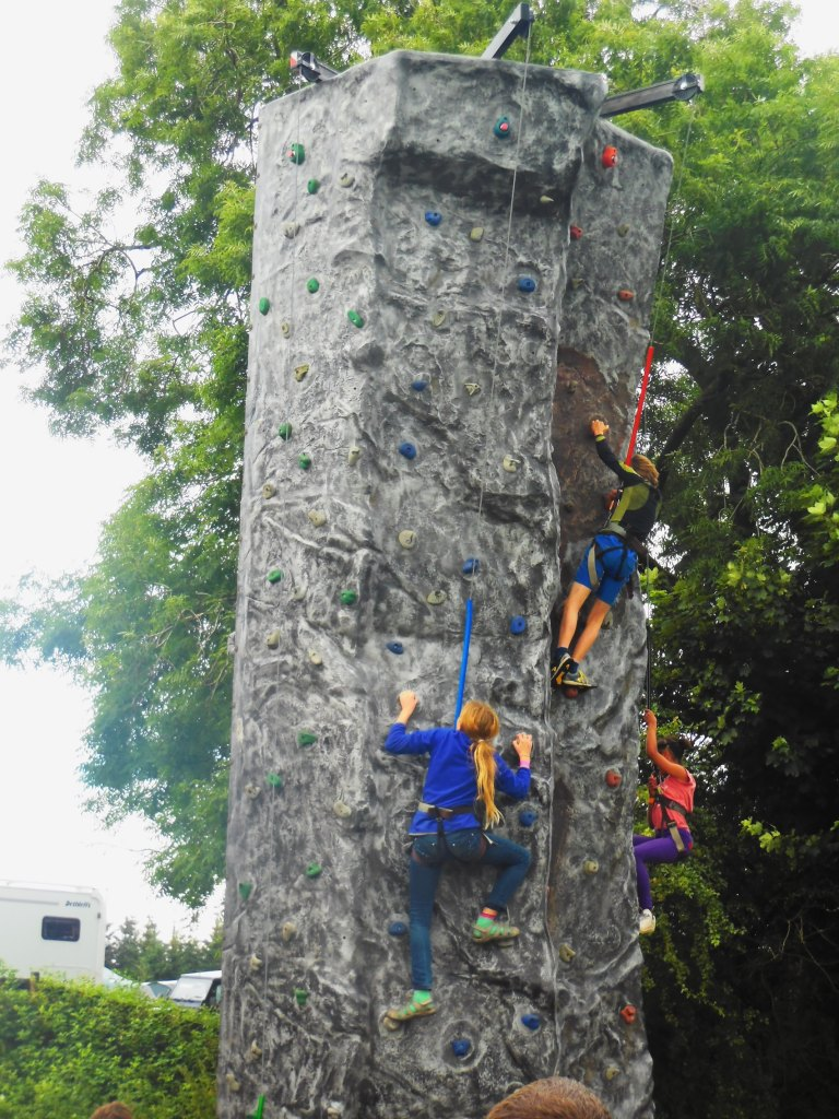 Me climbing - Travellingminstrel #