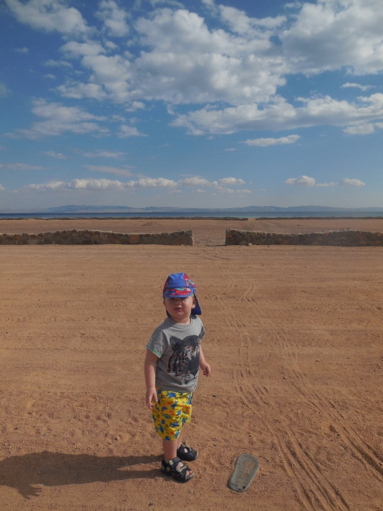 Jed on the beach - Travellingminstrel #