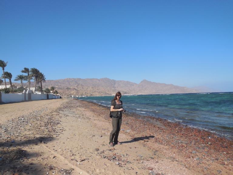 Mum on the beach - Travellingminstrel #