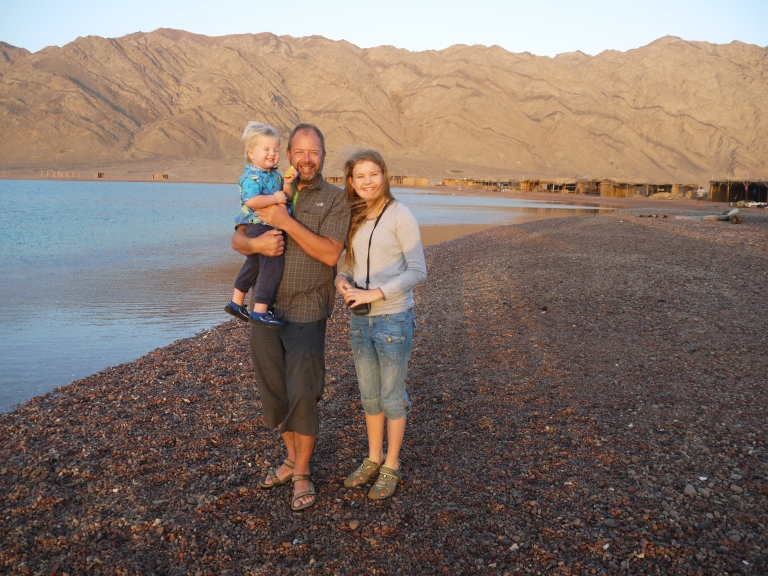Me, TUT and Jedidiah on the beach after the sunrise - Travellingminstrel #