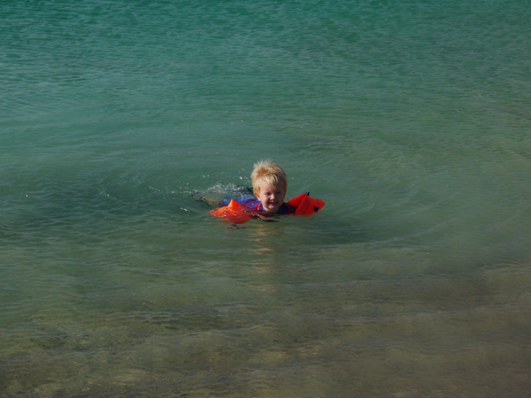 Jed in the sea - Travellingminstrel #