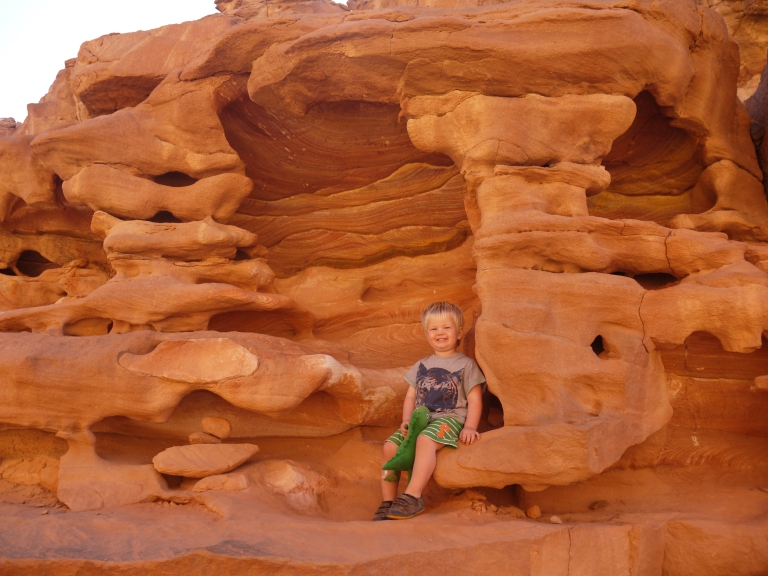 Jed in the rock formations - Travellingminstrel #