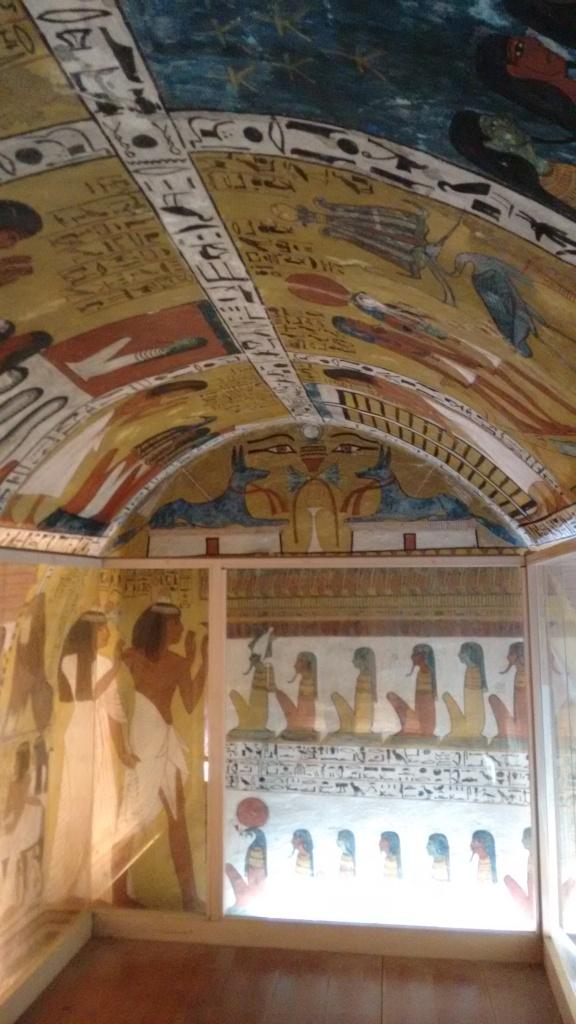 Sennutem tomb - Travellingminstrel #