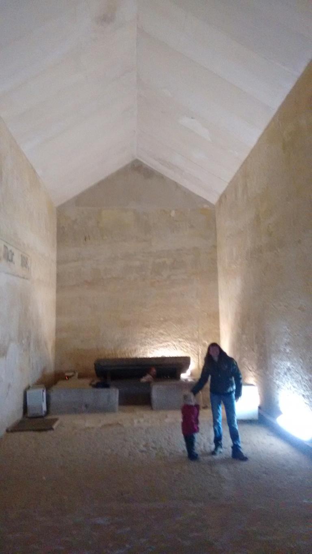 Inside Khufres pyramid - Travellingminstrel #