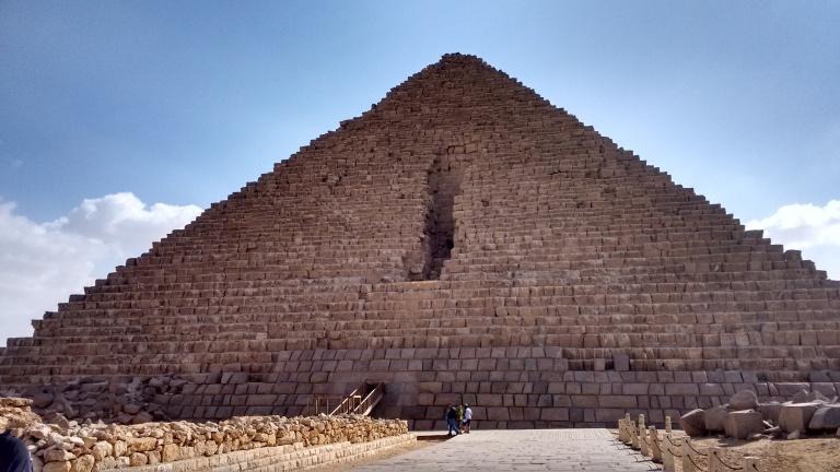 Menkaures pyramid - Travellingminstrel #