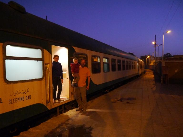The train - Travellingminstrel #