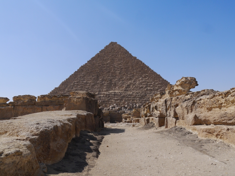 In front of Menkaures pyramid - Travellingminstrel #