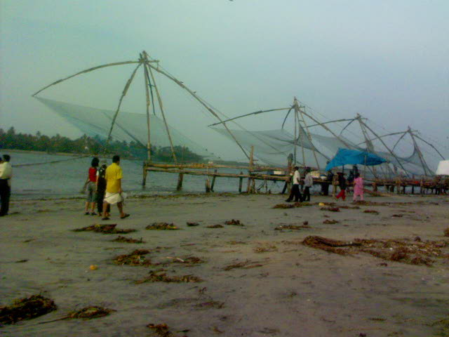 Chinese fishing nets - Travellingminstrel #