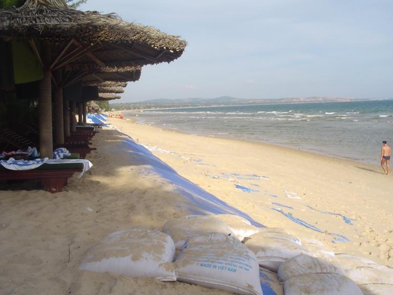 Mu nai beach - Travellingminstrel #