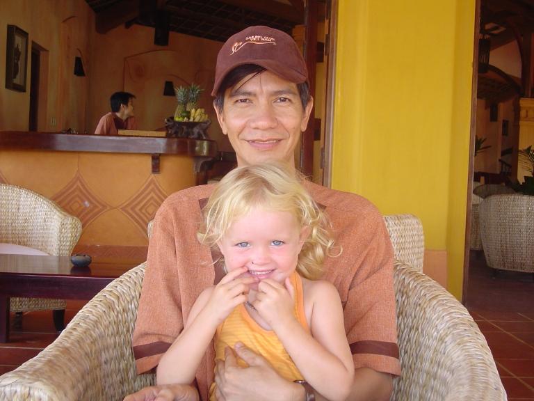 Friend in Mu nai - Travellingminstrel #