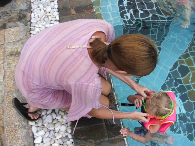 Learning how to swim - Travellingminstrel #