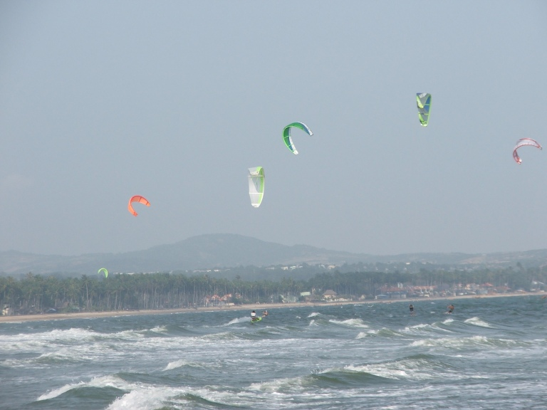 Kite surfers - Travellingminstrel #