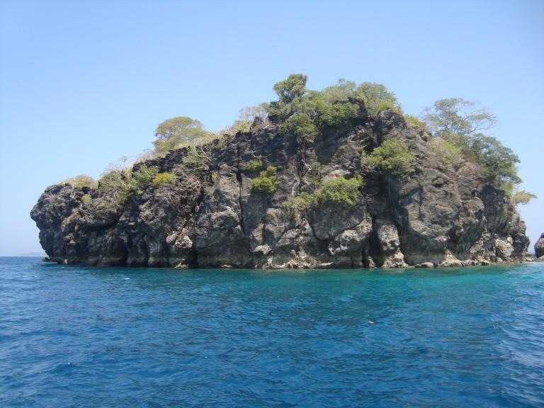 Snorkelling trip - Travellingminstrel.com #